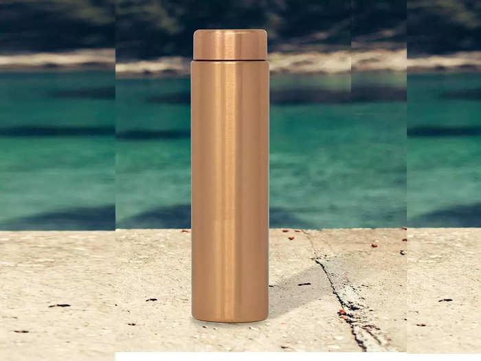 इन कॉपर बॉटल में रखा पानी पीने से बेहतर बन सकती है रोग प्रतिरोधक क्षमता, देखने में भी हैं स्टाइलिश