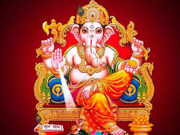 this is how the idol of ganesha should be installed according to the vastu in marathi