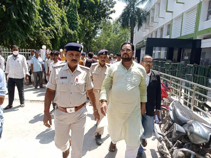 Firing took place while returning after eating banquet, four fingers of Lalan Singh had to be amputated, full story of 21 year old case of former JDU MLA