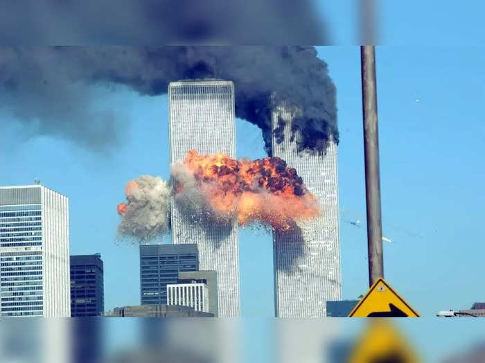 the_911_attacks_destroyed_the_twin_towers_1536652304_725x725