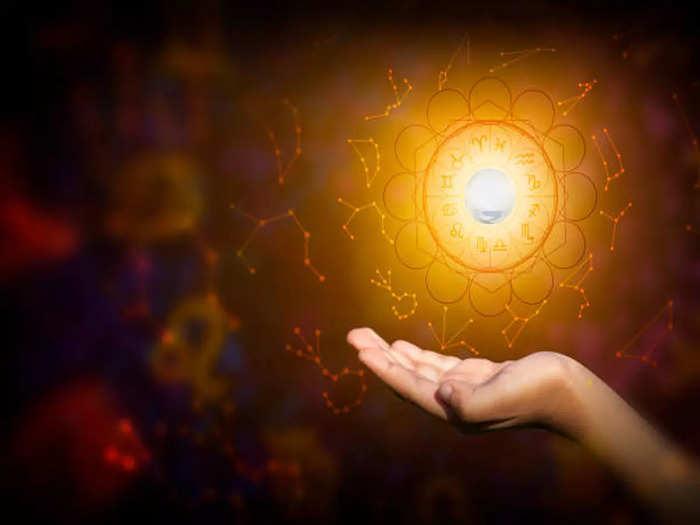 Daily horoscope 12 september 2021 : वृश्चिक राशीमध्ये ग्रहण योग,कोणत्या राशीवर कसा होईल परिणाम जाणून घ्या