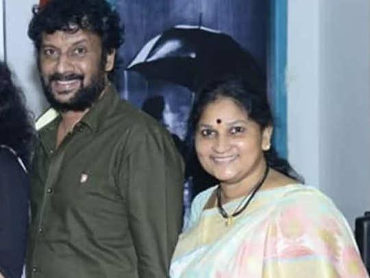 Uttej Wife Death: ప్రముఖ నటుడు ఉత్తేజ్ సతీమణి పద్మావతి కన్నుమూత - tollywood  actor uttej wife padmavathi passes away | Samayam Telugu