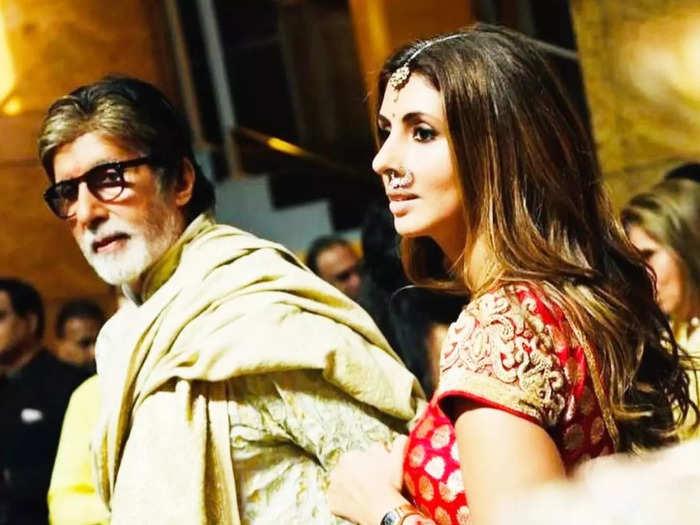 amitabh bachchan daughter shweta bachchan looks stylish in white saree by abu jani sandeep khosla