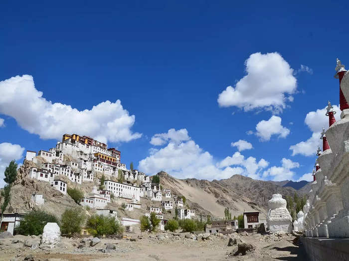 places to visit in ladakh in hindi