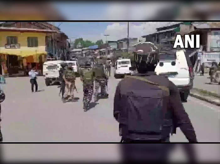 grenade attack in jammu and kashmirs pulwama four civilians injured