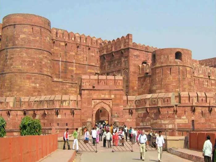 agra-fort-700_1443939445