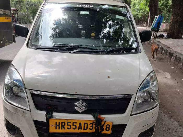 delhi traffic police started special drive to check vehicles number plates