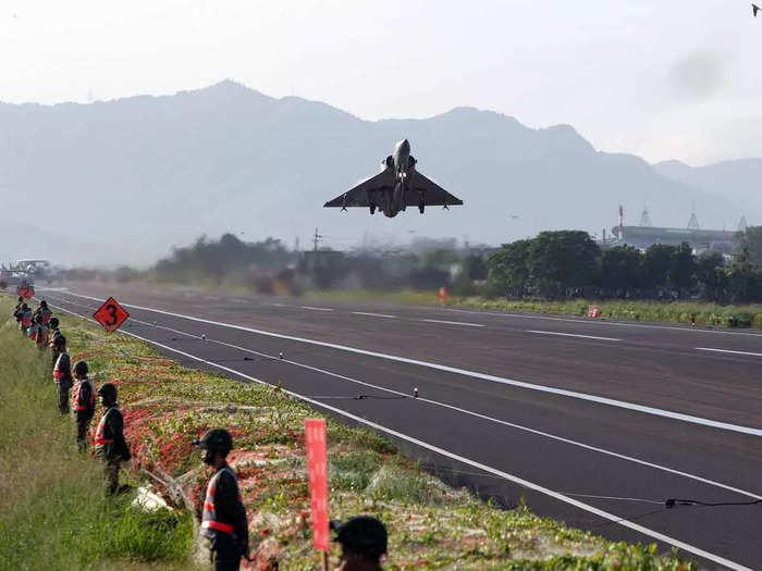 Taiwan Holds Anti invasion Drill