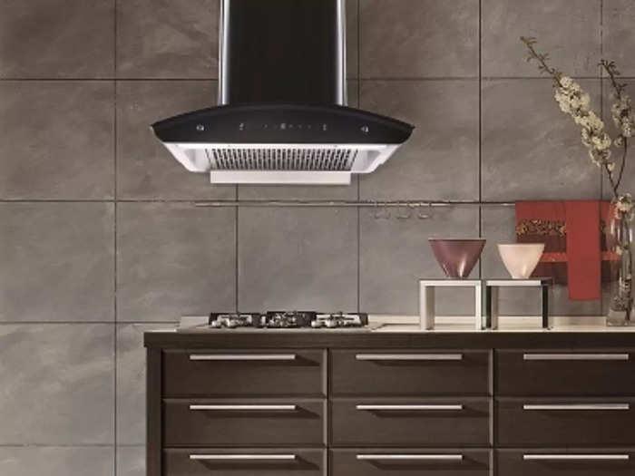 हवा को साफ करने के साथ आपके किचन के इंटीरियर को भी सूट करती हैं ये बेस्ट Kitchen Chimney