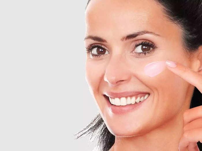 त्वचा पर हैं झुर्रियां तो आज ही इस्तेमाल करें ये Night Cream, मिल सकते हैं अच्छे रिजल्ट