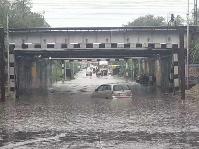 latest photos of lucknow kanpur etawah rain weather alert for 24 hours