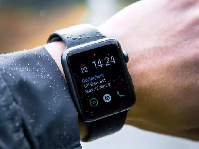 इन Smart Watches से आपको मिलेगा स्टाइलिश लुक और फिटनेस ट्रैकिंग, मिल रही भारी छूट