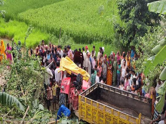 tractor overturned in sheohar