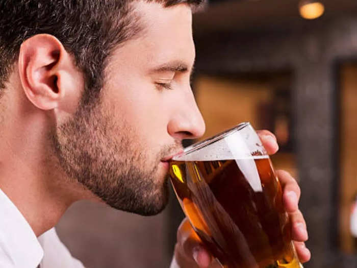 what happens when you drink beer daily know side effects of daily wine