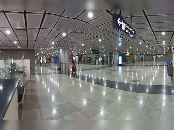 **EDS: HO IMAGE PROVIDED BY DELHI METRO** New Delhi: LRD lighting system install...