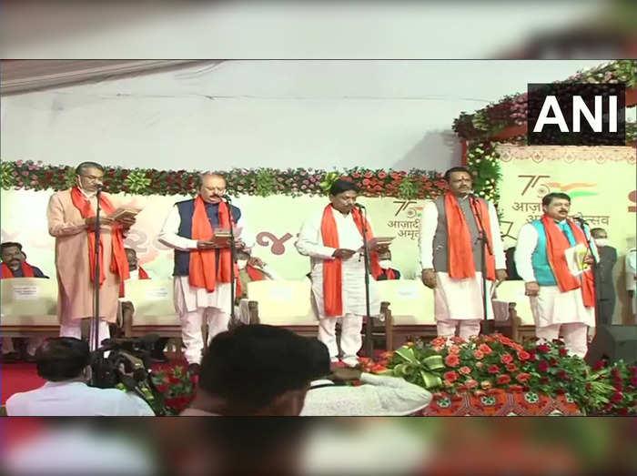 Gujarat gets new cabinet