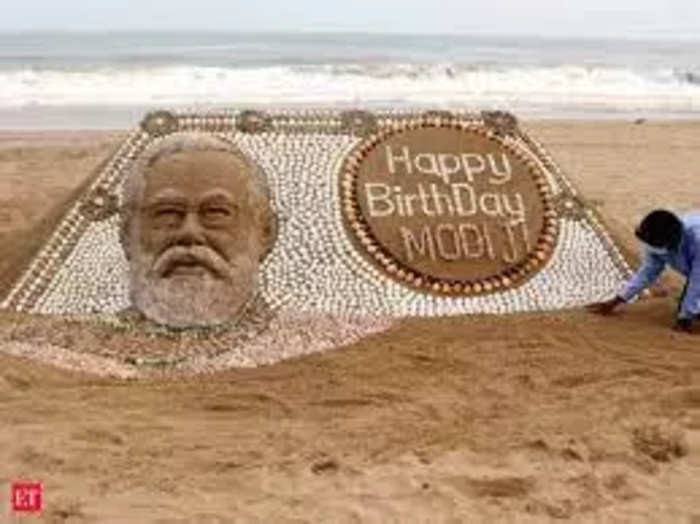 see special and different pictures of pm narendra modi birthday