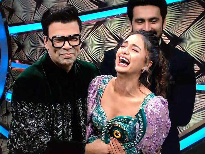 divya agarwal wins karan johar hosted bigg boss ott gets 25 lakh cash prize and trophy- दिव्या अग्रवाल बनीं 'बिग बॉस ओटीटी' की विनर, जीते 25 लाख रुपये और ट्रॉफी - Navbharat Times