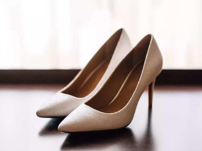 किफायती कीमत में मिल रही हैं ये Best Heels Sandals, अट्रैक्टिव कलर और डिजाइन में हैं उपलब्ध