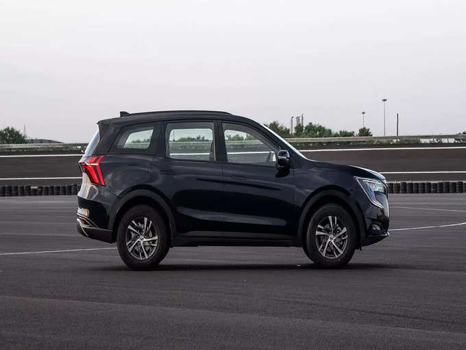 Mahindra XUV700 SUV Variants Price Colors Features 4