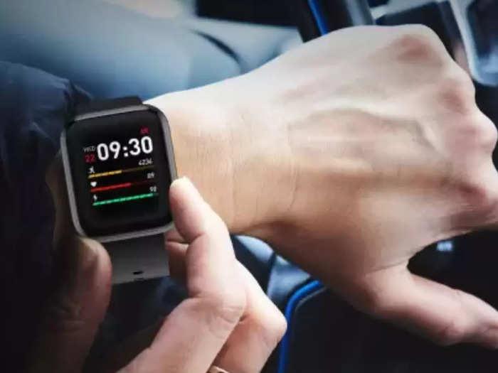 smartwatches under 2000