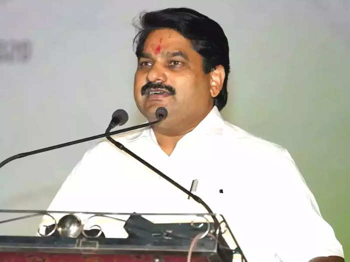 kolhapur guardian minister satej patil accused the bjp of destabilizing the government