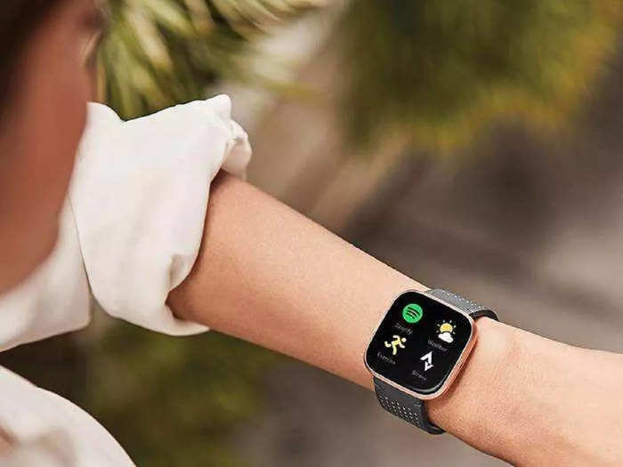 buy these top 5 smartwatches within a price range of 10000 read details