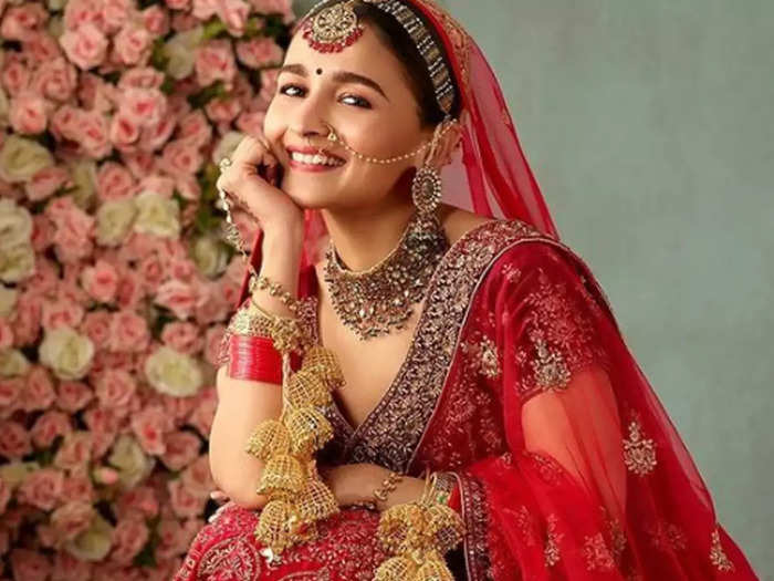 Alia Bhatt traditional bride photo