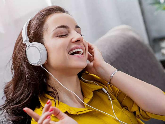 गेमिंग और म्यूजिक के लिए बेस्ट हैं ये Headphones, पाएं डीप बेस और जबरदस्त साउंड क्वालिटी