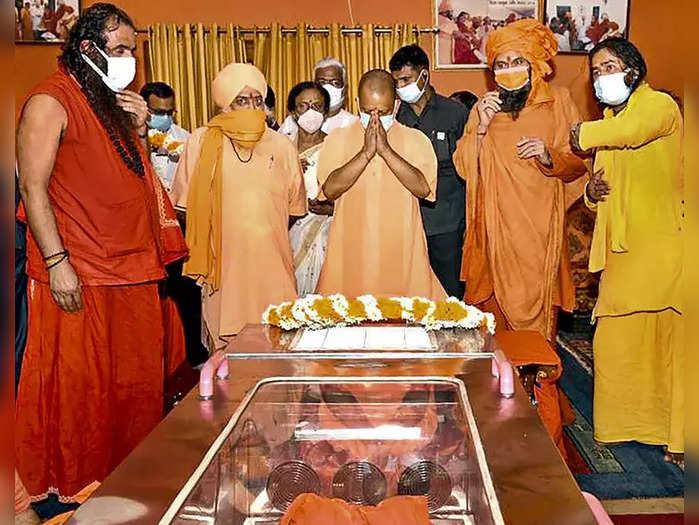 mahant giris death cm yogi says culprits will not be spared
