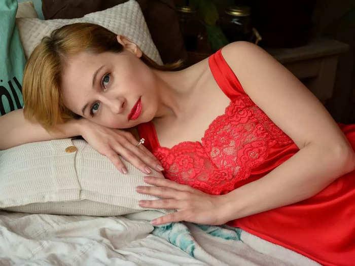 इन Night Dress से कंफर्ट के साथ पाएं बोल्ड लुक, मिलेगी आरामदायक नींद