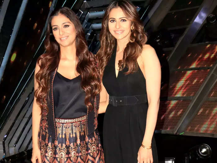 when tabu looked younger than rakul preet know the secret of her beautiful skin