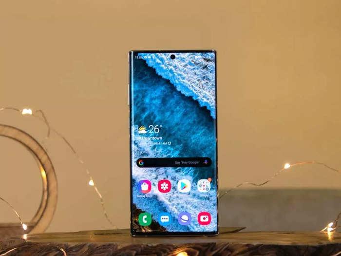 धांसू प्रोसेसर और दमदार बैटरी वाले हैं ये स्मार्टफोन, पाएं ₹8000 तक की बचत का मौका