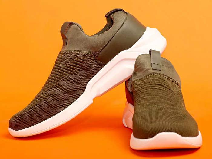 699 रुपए में मिल रहे हैं 3 जोड़ी Running Shoes, मिल रहा है इस महीने का बंपर ऑफर