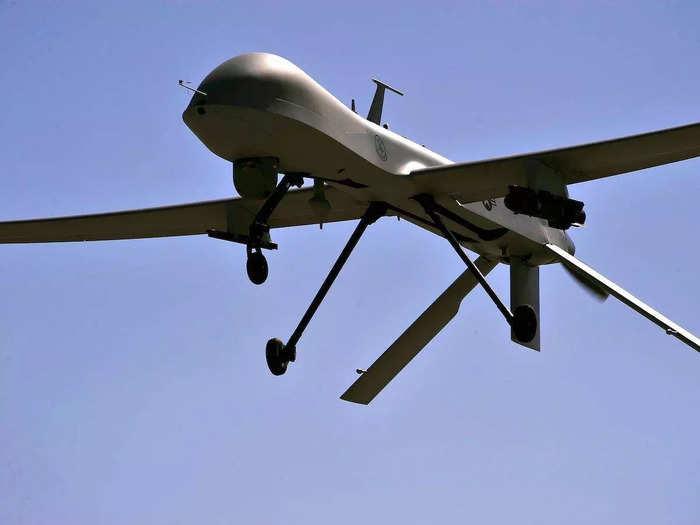 यह ड्रोन किसी भी अडवांस्ड फाइटर जेट से कम नहीं है।