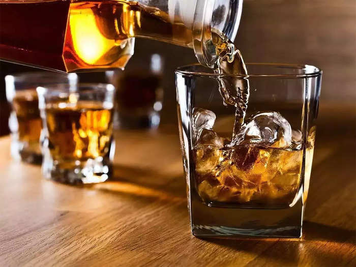 home bar licence required in up for mone than 4 bottles of liquor excise rule