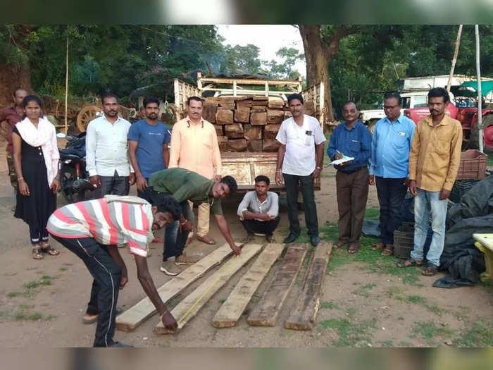 teak timber was being smuggled from maharashtra to telangana