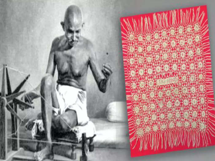 mahatma gandhis decision to wear only dhoti was not liked by queen mary, full story