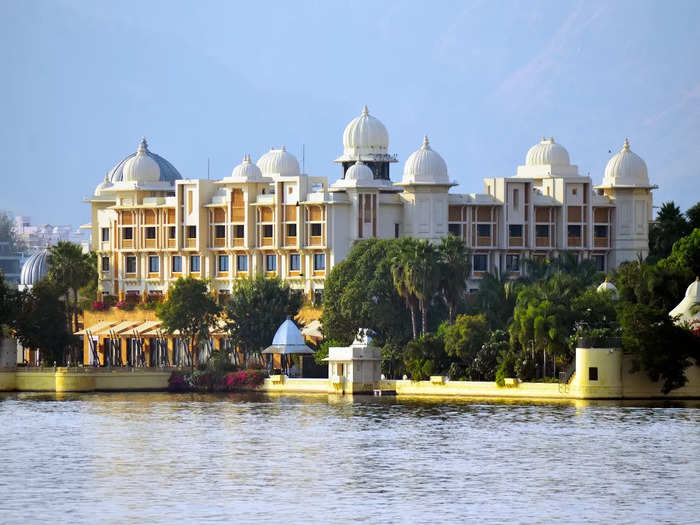 you should also visit these places near udaipur for weekend in hindi