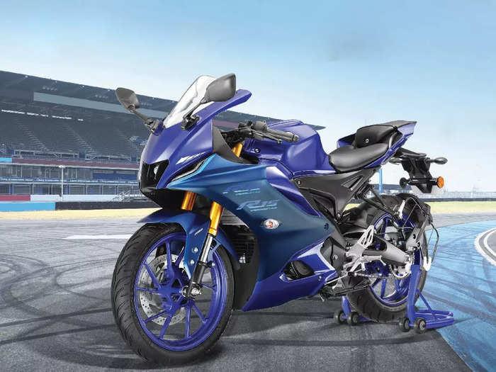 Yamaha R15 Version 4.0