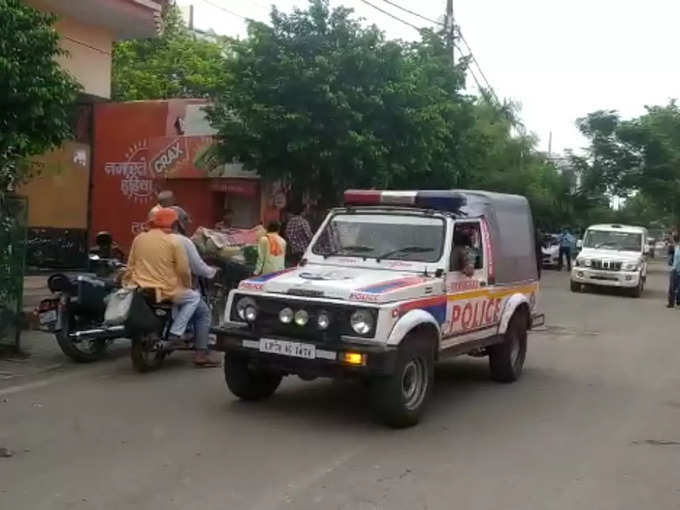 narendra giri death cbi probe: Narendra Giri death CBI Probe: CBI team reaches Math to probe Mahant Narendra Giri Death: महंत नरेंद्र गिरि की मौत की गुत्थी सुलझाने मठ पहुंची सीबीआई, ढाई घंटे तक चली पूछताछ