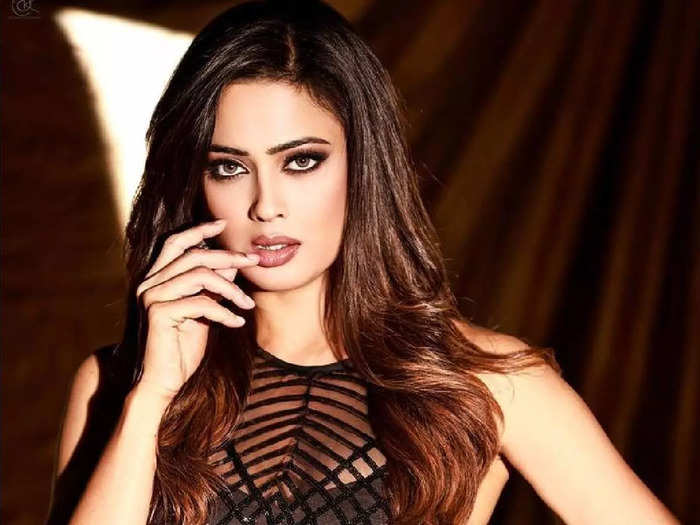 indian tv actress shweta tiwari looks stylish in world of asra co-ord set for khatron ke khiladi