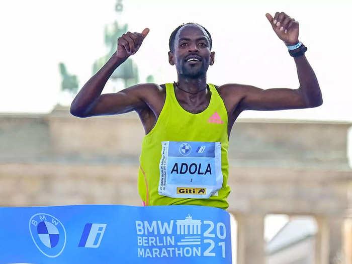 इथियोपिया के गाये एडोला ने जीती बर्लिन मैराथन, महामारी कोविड-19 के बाद पहली बार हुआ ऐसा