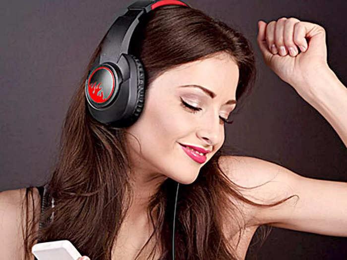RGB लाइट और जबरदस्त साउंड क्वालिटी वाले हैं ये Headphones, गेमिंग को बनाएं बेहतर
