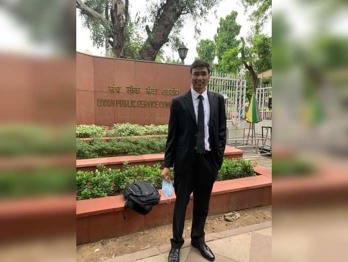 UPSC Result: 54वीं रैंक लाने वाले UP के विधु शेखर का यह है सक्सेस मंत्र, रोजाना 8 से 10 घंटे की मेहनत से पाई सफलता
