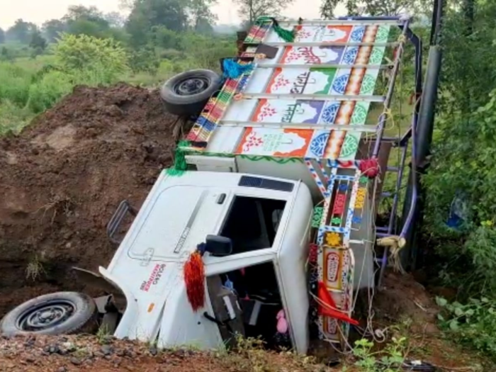 truck accident today news