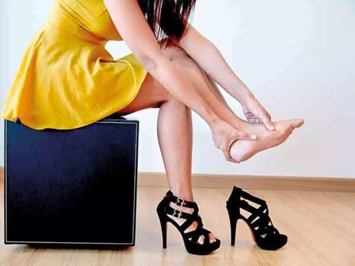 नक्की ट्राय करून पाहा High Heels Pain Relief प्रोडक्ट आणि बिनधास्त वापरा हाय हिल्स