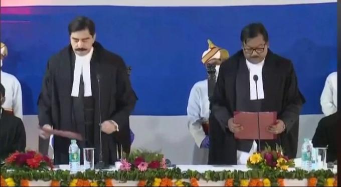 Jharkhand News : झारखंड हाई कोर्ट के चार नए न्यायाधीशों ने ली शपथ, जानिए इनके बारे में