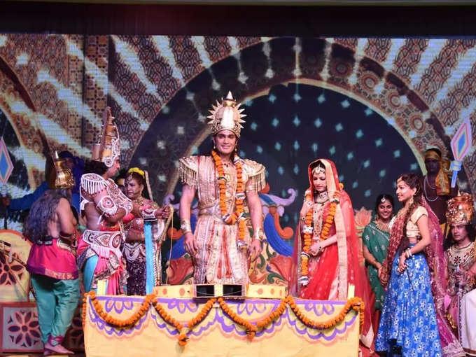 Video: Maine Pyar Kiya actress Bhagyashree became Sita, the video of Ramlila held in Ayodhya surfaced