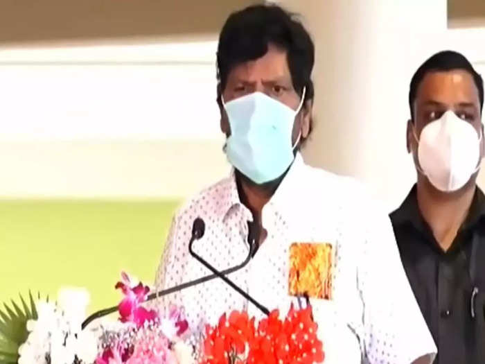 union minister ramdas athawale has said that the credit for chipi airport belongs to everyone
